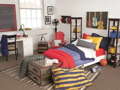 5 Designer Dorm Rooms From HGTV Designer Taniya Nayak  ~ 204436_Dorm Room Ideas For Guys