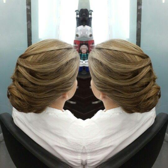 #hair #cabello  #peinado #hairDo #recogido #upDo #waves  #axelpeinado #axelupdo #axelrecogido #axelhairdo #axelwaves #axelondas #hairdresser #hairstylist #estilista #peluquero #Panama #pty #pty507 #picoftheday #mirrorphoto #multiplaza #axel04