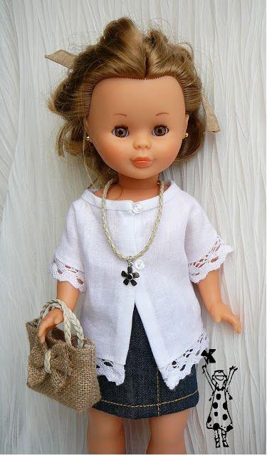 Falda vaquera y blusa de lino para mi muñeca NANCY ENFERMERARA
