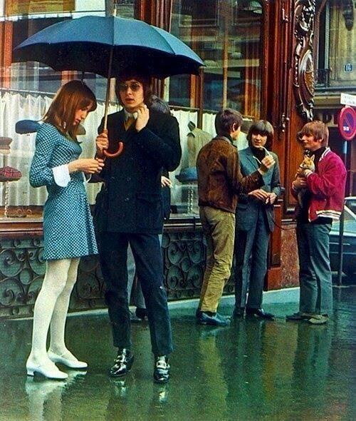 London, 1960s. Giống như thời kỳ của John Lennon, của The Beatles. http://xuanthien.me