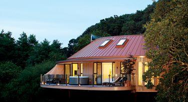 Decadent Honeymoon Destinations—Treehouses at Chewton Glen (Hampshire, England)