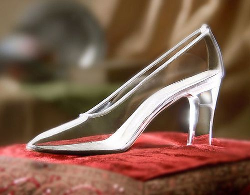 My very own glass slipper!!  <3    cinderella-fairytale-glass-slipper-love-perfect-Favim.com-186185:
