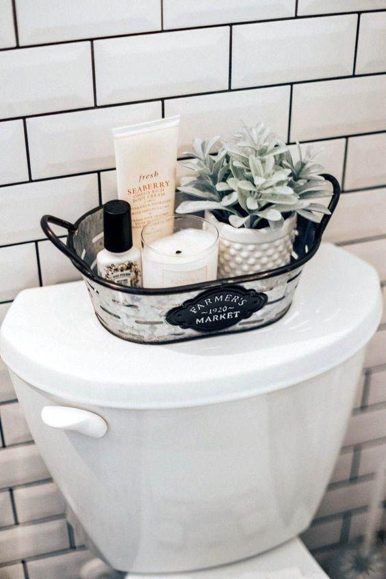 48 Simple Small Apartment Bathroom Remodel Ideas Diy Bathroom Farmhouse Bathroom Bathroom Decor
