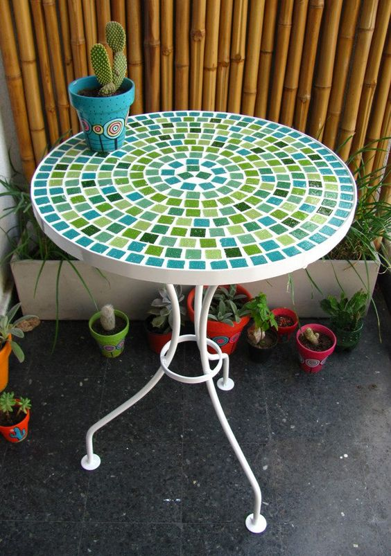 Mesas and google on pinterest for Mosaicos para jardin
