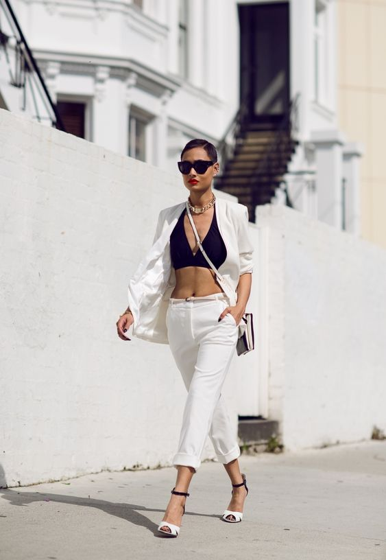 How To Look Sexy Yet Classy In Bralettes And Bandeaus