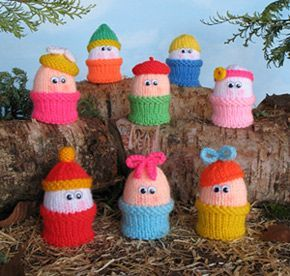 Free Novelty Knitting Patterns : Free Pattern: Novelty Eggs in egg cups to knit. Put a chocolate Easter egg in...