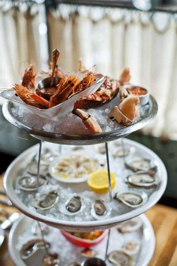 No se pueden perder los mariscos, y sobre todo el menu de ostras de The Dutch Miami