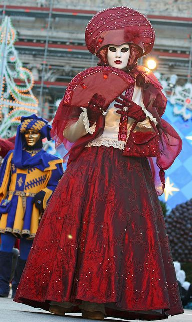 Costume contest at the 2010 Carnevale in Venice (IMG_9889a) by Alaskan Dude, via Flickr
