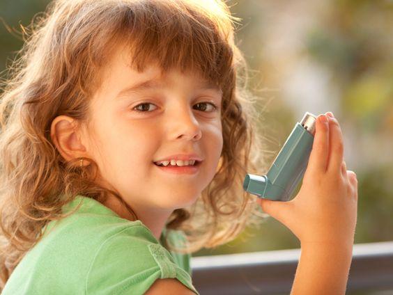 Il existe deux catégories de médicaments pour traiter #l'asthme: les médicaments de contrôle et les médicaments de soulagement.