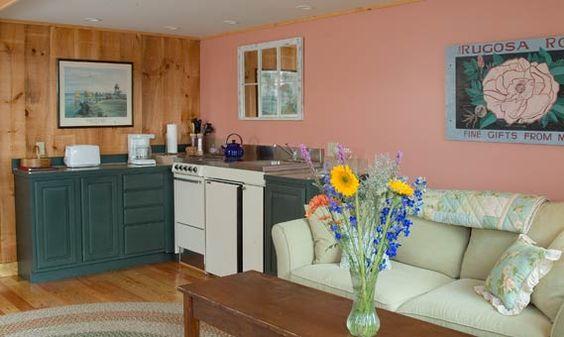 The Pilgrim's Inn is located in quiet Coastal Maine: