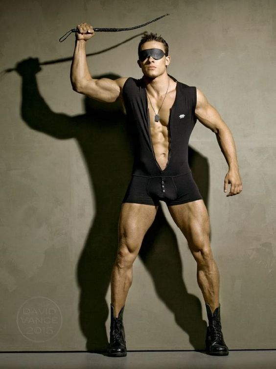 Alexander Dorokhov Gay   Aleksandr-Dorokhov-The-Portraits-Of-Apollo-David-Vance-Photos-Burbujas ...