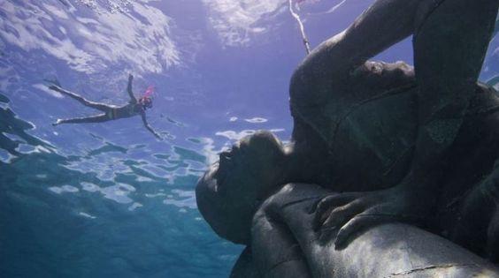 Bajo el mar: Mira esta sorprendente escultura en las Bahamas