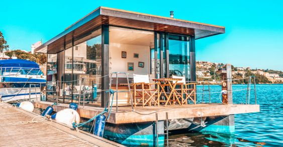 Já pode dormir na primeira — e incrível — casa barco do Porto