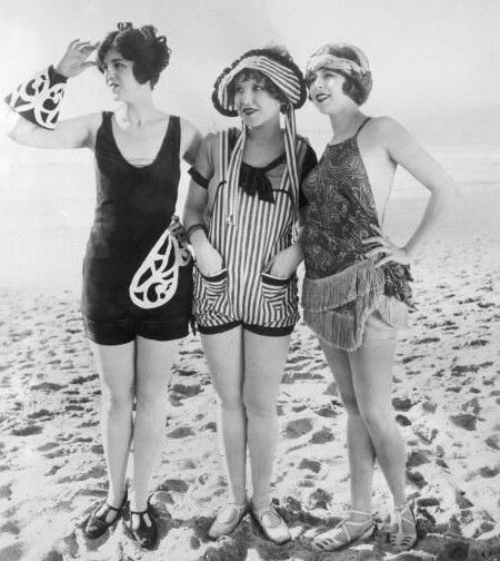 Bathing suit WITH pockets - bloody marvellous! 1920