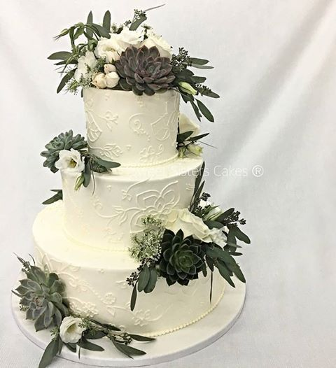 Buttercream icing for a rustic style wedding. #desserts #cakes #weddingcake #wedding #rustic #buttercream #icing #SweetSisters