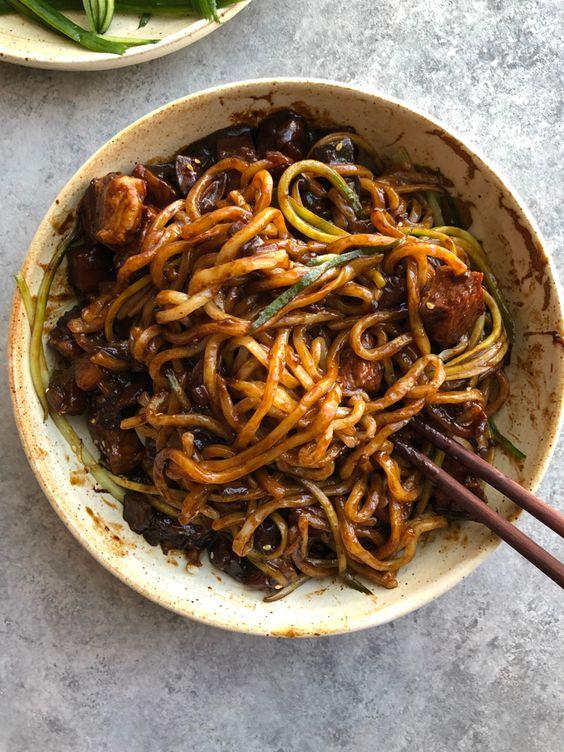 Jajangmyeon (Korean Noodles with Black Bean Sauce)