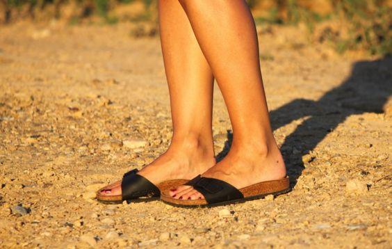 Casual Look. Denim Look. Look con Birkenstock. A trendy life. #casual #denim #summerlook #uglyshoes #details #zara #mango #birkenstock #outfit #fashionblogger #atrendylife www.atrendylifestyle.com