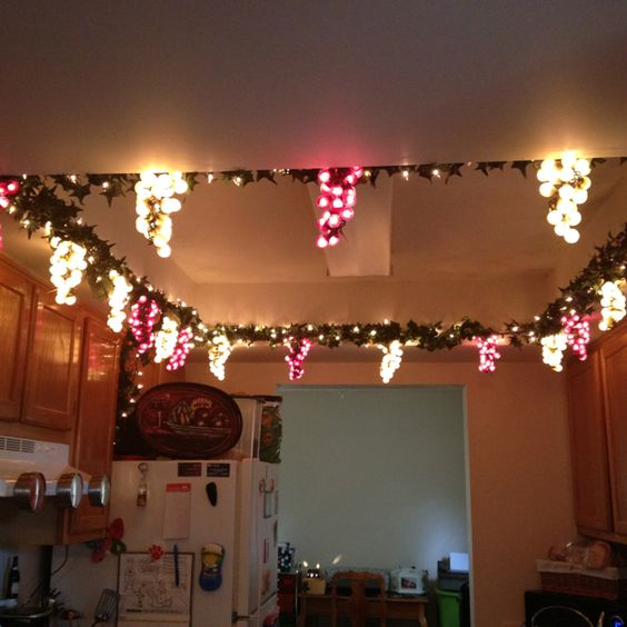 Lighting for my kitchen wine grape theme kitchen for Wine and grape themed kitchen ideas