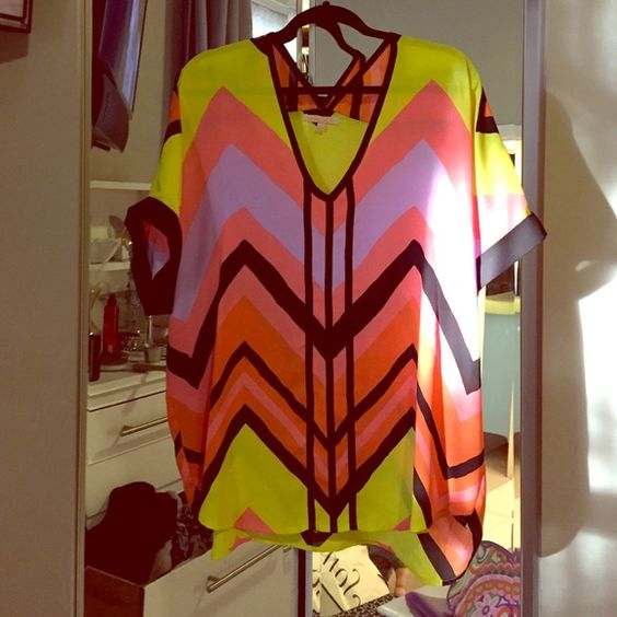 Neon slouchy blouse Large polyester blouse Gibson Latimer Tops Blouses