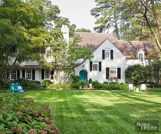 How To Start Landscaping Your Front Yard : Prioritize landscaping and lawn on