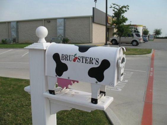 Cow mailbox designs and mailbox ideas on pinterest for Creative mailbox ideas