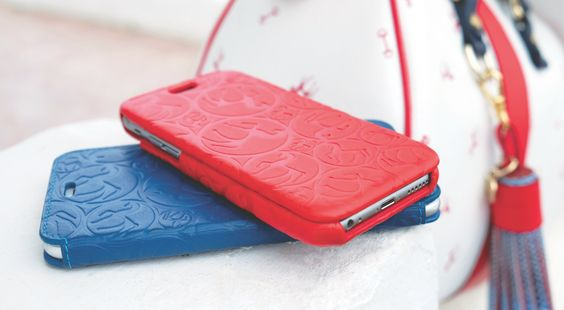 In this pic appears leather IPHONE CASES. Discover the latest trends with our new arrivals, inspired by gardens and seaside villages. Feel the Mediterranean breeze. #Bag #Handbag #OnlineStore #OnlineShopping #OnlineShop #MustHave #MadeInSpain #NewCollection #PreCollection #LeatherHandbag #LeatherBag #fashion #accessories #iPhoneCase #iPhone6Cases