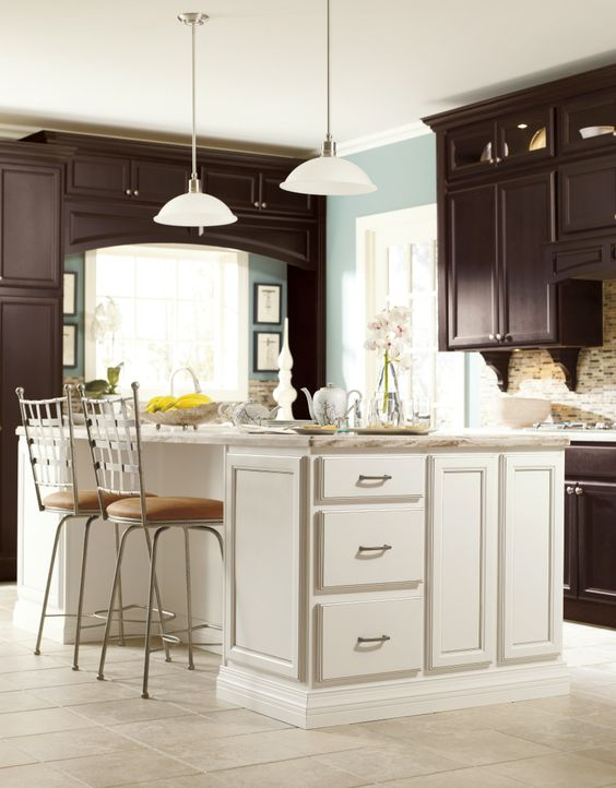 Traditional doesn 39 t mean boring especially when you mix for Traditional kitchen meaning