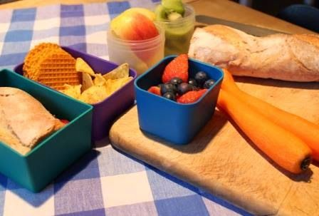 Berlin Brotbox: Box 16 Baguette mit Erdbeermarmelade Organic Torti...