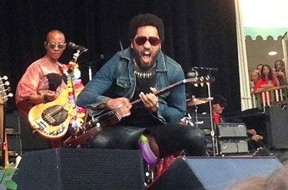 Canal Electro Rock News: +18: Lenny Kravitz rasga as calças acidentalmente em show