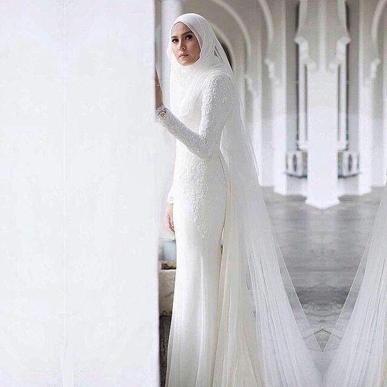 Malay wedding  dress by Nurita Harith '15