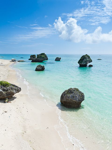Tropical Japan's coastline - Okinawa, Japan------I've been to Okinawa..but not here! Wish I could have gone though! : 