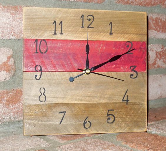 Pallet Clock Rustic Wood Red Brown Home Decor Clocks by Sylly123, $24.00