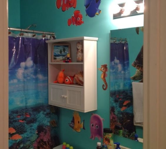 Finding nemo bathroom shower curtain finding nemo for Finding nemo bathroom