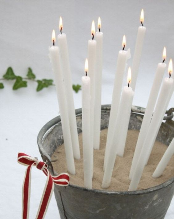 Kaarsen presenteren bij een feestje