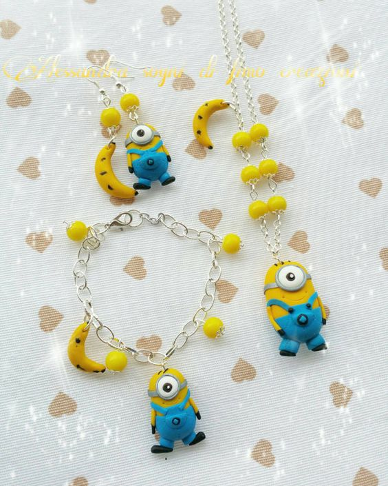 Guarda questo articolo nel mio negozio Etsy https://www.etsy.com/it/listing/269994357/minions-parure-set-necklace-earrings