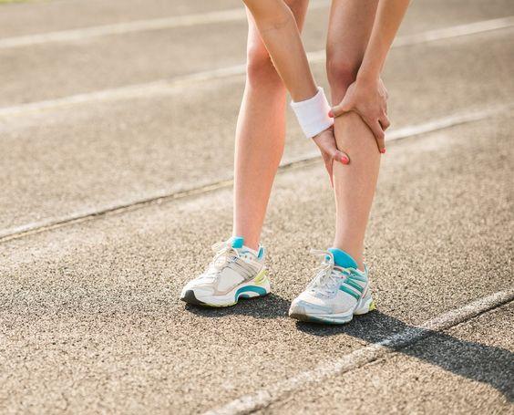 Cómo aliviar el dolor muscular alrededor de la tibia – Kayla Itsines