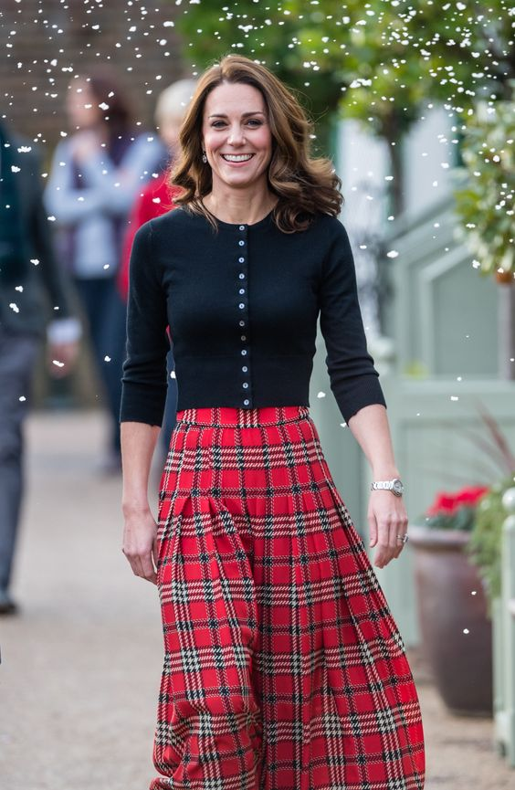 Kate Middleton's Festive Midi Skirt Will Have You Wishing It Were Christmas Already