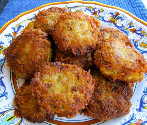 Latkes 101: Definitely making these again! Follow ALL of the advice! She knows what she's talking about
