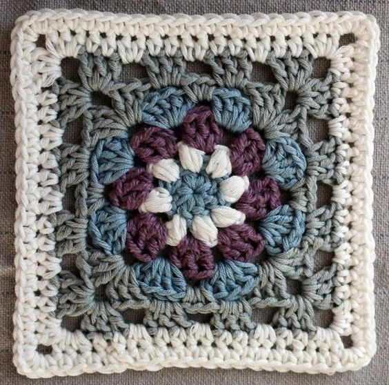 Lily Pad granny square pattern