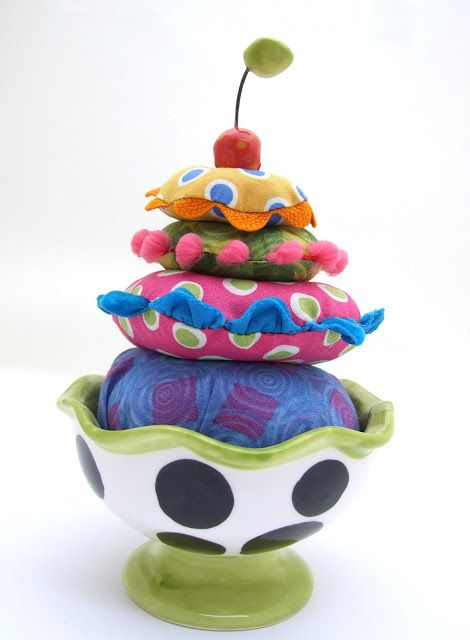 Jennifer Jangles Blog: Pin Cushion in a Cup Tutorial