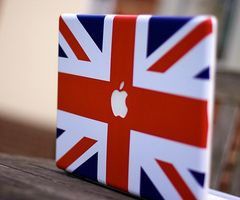 LOVE this! Omg that's amazayn! ;P if I had a Mac laptop I would so get this