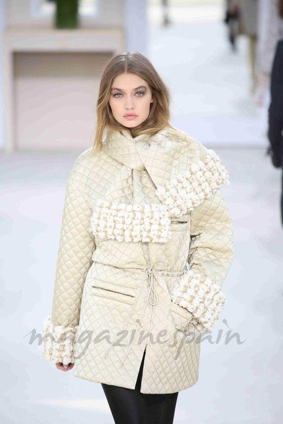 París Fashion Week 2016: Chanel: Gigi Hadid