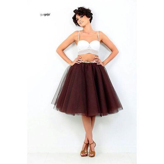 #faldas de #tul para el #otoño !!  #foto @gusgeijo #model @entrelasnubescontacones #marron #chocolate #faldadetul #outfit #estilo #caminoconmiestilo #entrelasnubescontacones