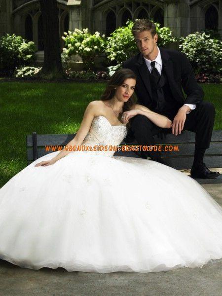Luxuriöse maßgeschneiderte Brautkleider aus Organza und Satin A-Linie mit Schleppe