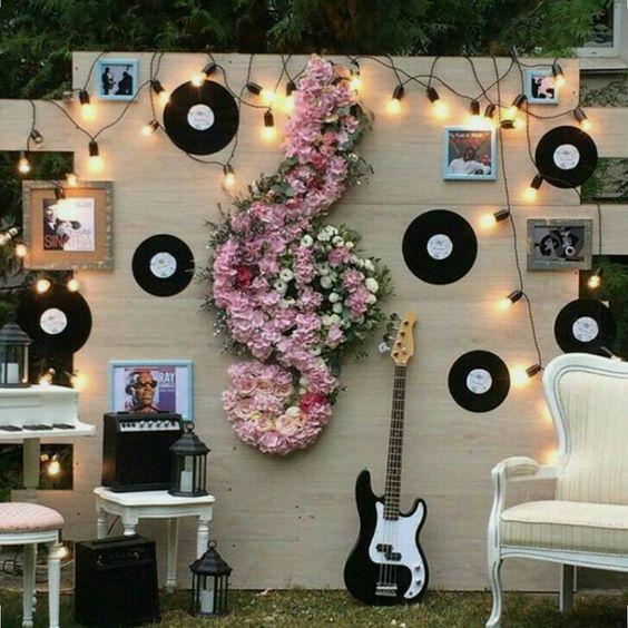 Интересная идея! Музыкальная фотозона. #оформление#свадьба#невеста#декор#юбилей#годик#выезднаярегистрация#алматы#фотозона:
