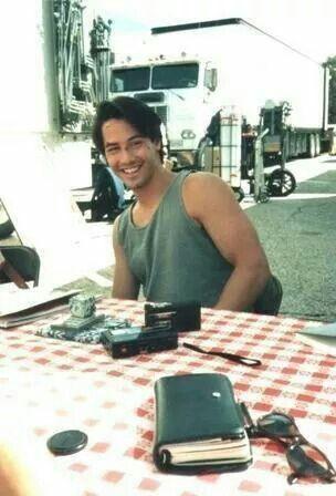 Keanu Reeves on set of Point Break
