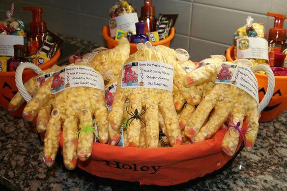 Halloween Treats for Scarlett's school and Halloween Pails for her teachers!