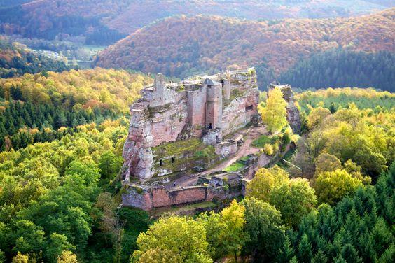 Fleckenstein, un château fort troglodytique en Alsace  Copyright - K. Groß
