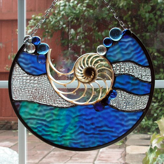 blue wave glass accents nautilus shell by. Black Bedroom Furniture Sets. Home Design Ideas