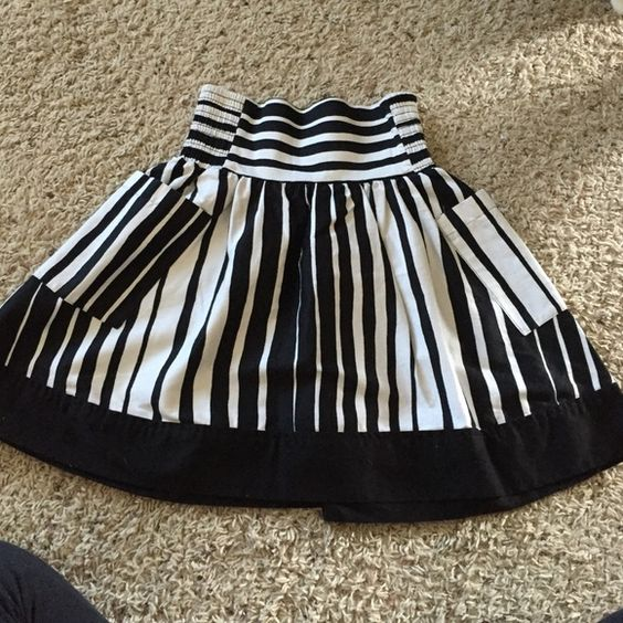 Maurice's skirt final reduction! Black and white fit and flare skirt.  Worn twice.  In great condition Maurices Skirts